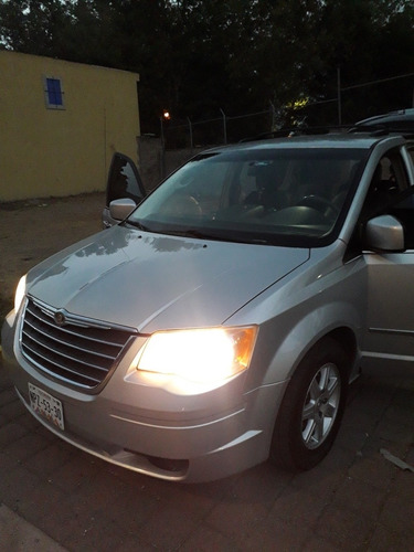 chrysler town & country 2010 3.8 limited at