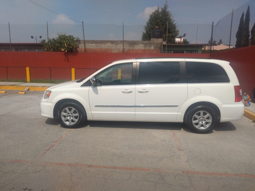 chrysler town & country 2011 3.6 touring mt