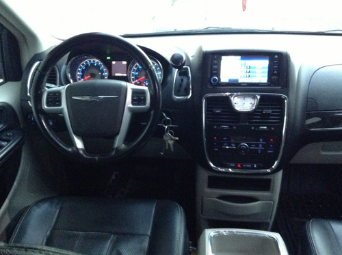 chrysler town & country 2012 limited piel pantallas