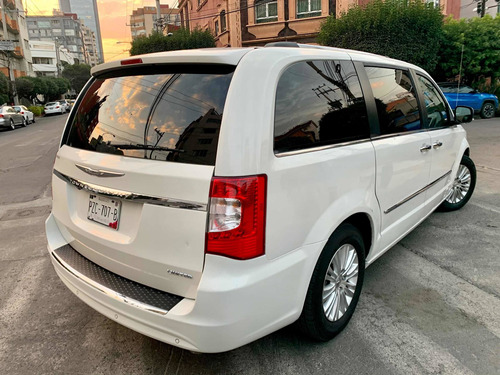 chrysler town & country 2013 3.6 limited mt
