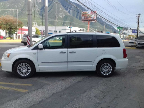 chrysler town & country 2014 3.6 touring at