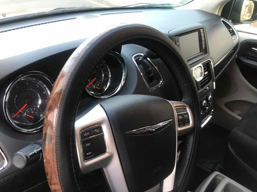 chrysler town & country 2015 3.6 touring mt