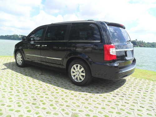 chrysler town & country 3.6 limited 2014 07 lugares 74.000km