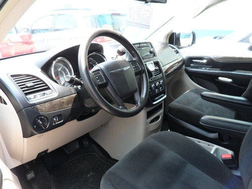 chrysler town & country 3.6 limited mt 2016