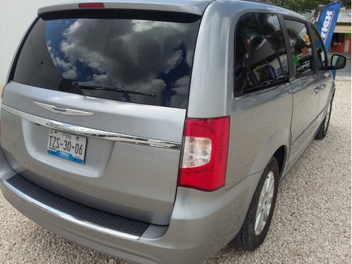 chrysler town & country 3.6 limited mt carflex mid