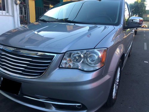 chrysler town & country 3.6 limited mt (como nueva)