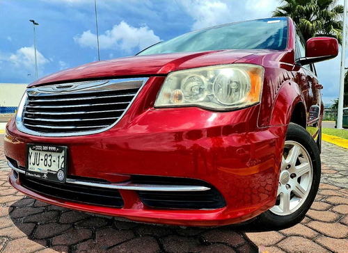 chrysler town & country 3.6 lx mt 2012
