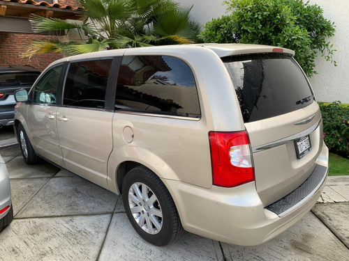 chrysler town & country 3.6 lx mt automática 2014
