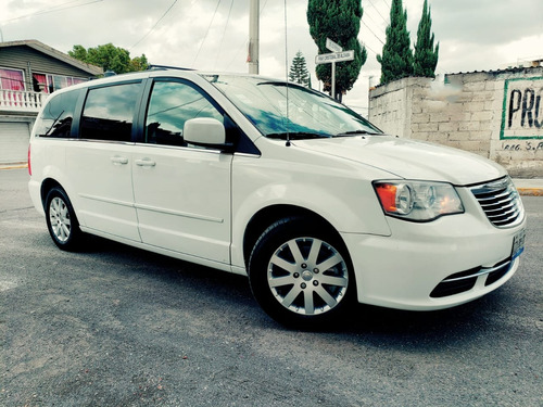 chrysler town & country 3.6 touring 2016