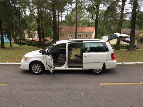 chrysler town & country 3.6 touring 5p 2012