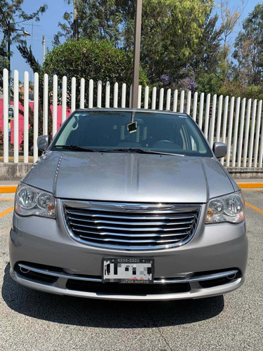 chrysler town & country 3.6 touring mt 2013