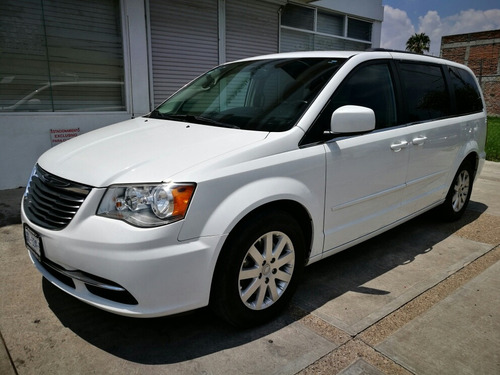 chrysler town & country 3.6 touring mt 2015