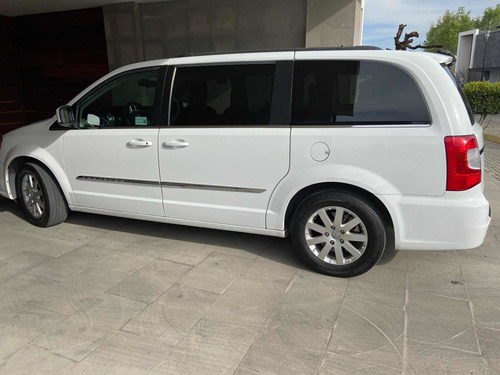 chrysler town & country 3.6 touring piel mt 2015