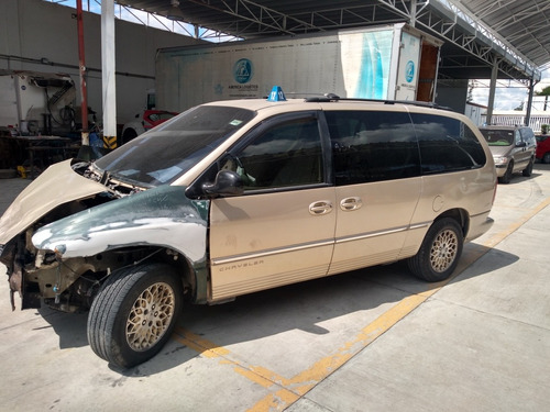 chrysler town & country 3.8 limited at 1999