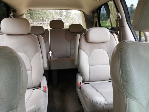 chrysler town & country 3.8 limited at 2005
