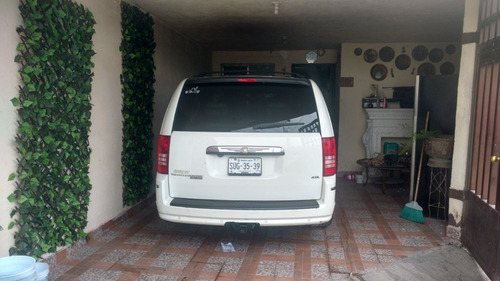 chrysler town & country 3.8 limited at