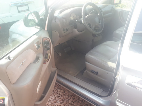 chrysler town & country 3.8 limited mt 2003