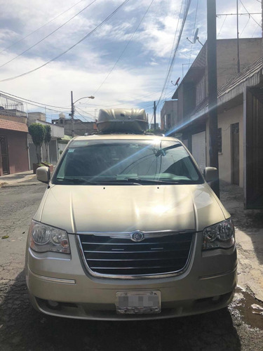 chrysler town & country 3.8 limited mt 2010