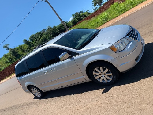 chrysler town & country 3.8 v6 limited