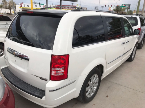 chrysler town & country 4.0 limited blanca modelo 2010