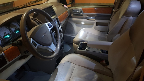 chrysler town & country 4.0l v6 limited