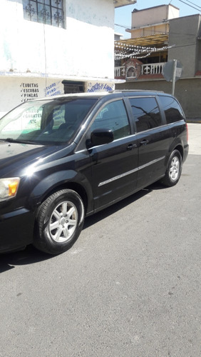 chrysler town country
