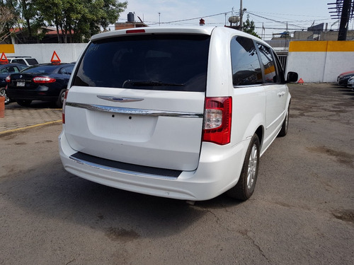 chrysler town & country li touring 2016