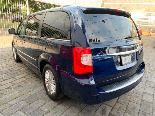 chrysler town & country limited 2013 credito
