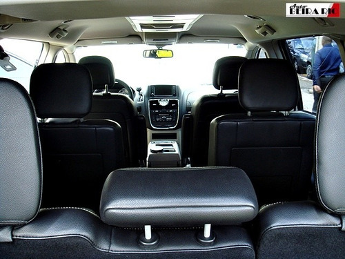 chrysler town & country - touring // 2012 - 7 lugares
