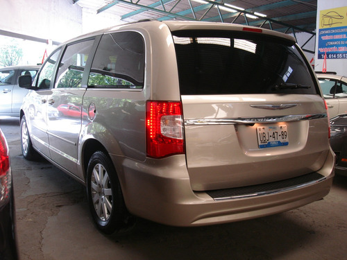 chrysler town & country touring dvd gps factura de agencia