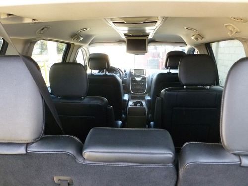 chrysler town & country touring, mod. 2015, color gris