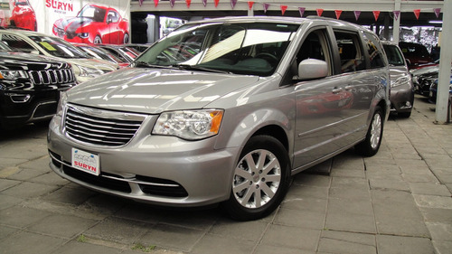 chrysler town & country  touring  t/a 2015