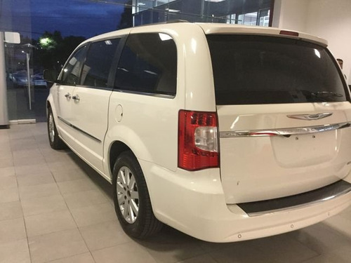 chrysler town & country town & country limited 5p suv 2011