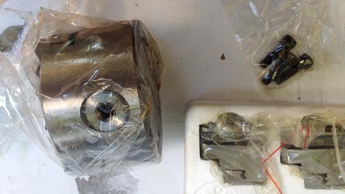 chuck 3 mordazas  autocentrado 100 mm radio  + 3 mordazas