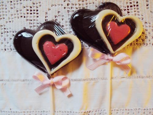 chupetines corazón  de chocolate
