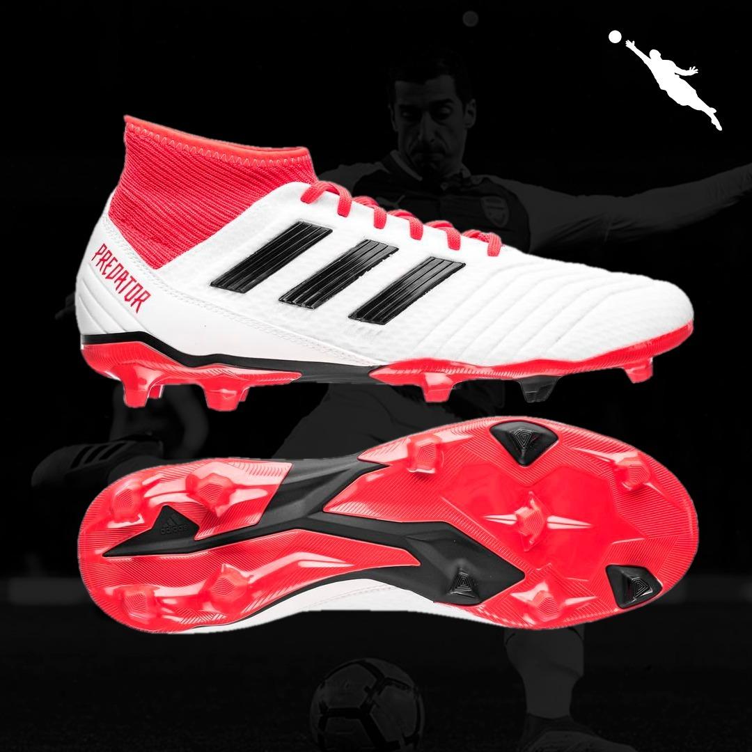 ... Carregando zoom. check out d4268 2a197  O produto  Chuteira Campo  Adidas Predator 18.4 ... a1e250e9a556d