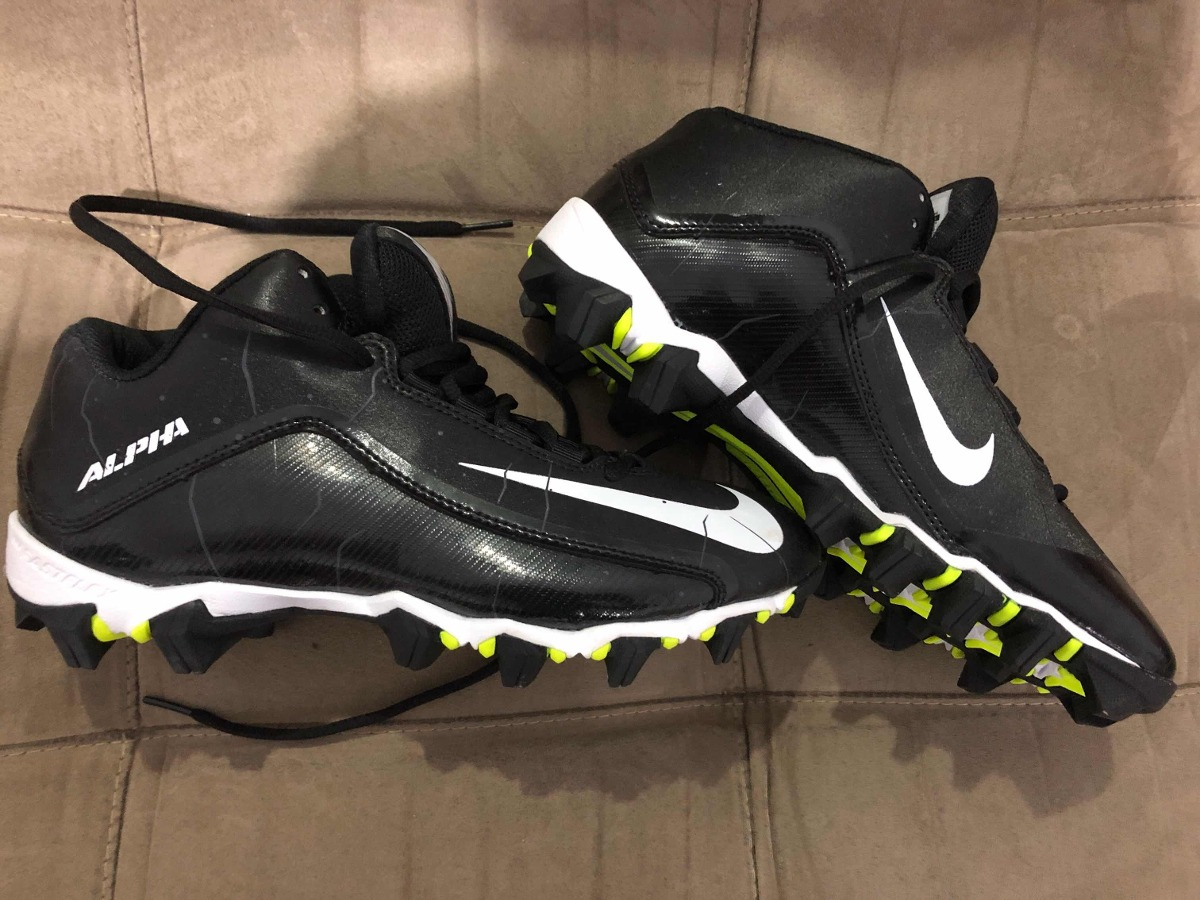 c79fccdb9 Chuteira De Futebol Americano Nike Alpha Shark 7.5 Us - R  250