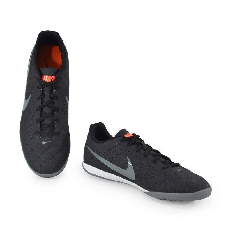e991a5913adf7 Chuteira Indoor Beco 2 Nike Preto Cinza - 646433-006 - R$ 215,88 em ...