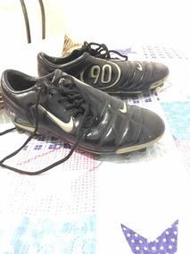 c7af19a5f6 Chuteira Nike Total 90 Iii Antiga - Esportes e Fitness no Mercado Livre  Brasil
