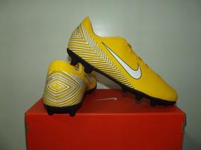b5324ee83c Chuteira Nike Mercurial Steam Preta amarela - Esportes e Fitness no Mercado  Livre Brasil