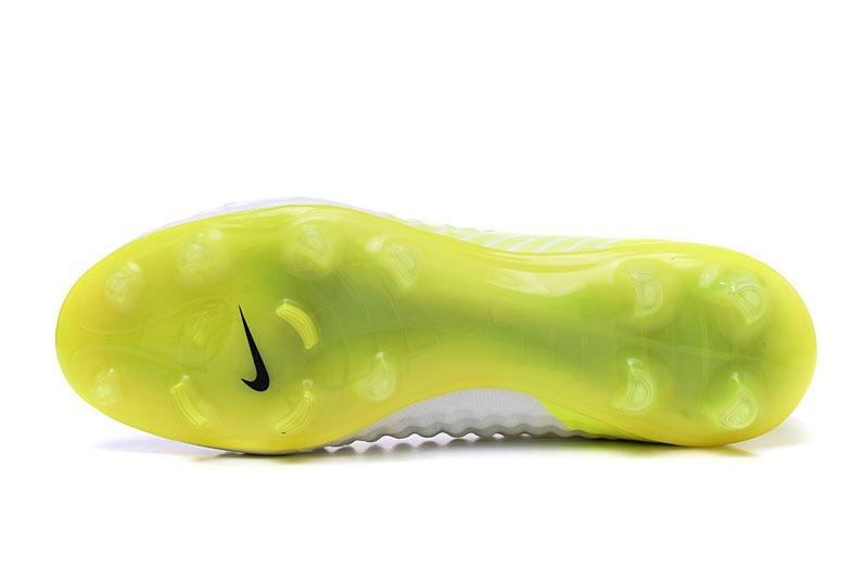 ef05e3b700b81 Chuteira Nike Magista Obra Fg - Branco/florescente - R$ 379,00 em ...