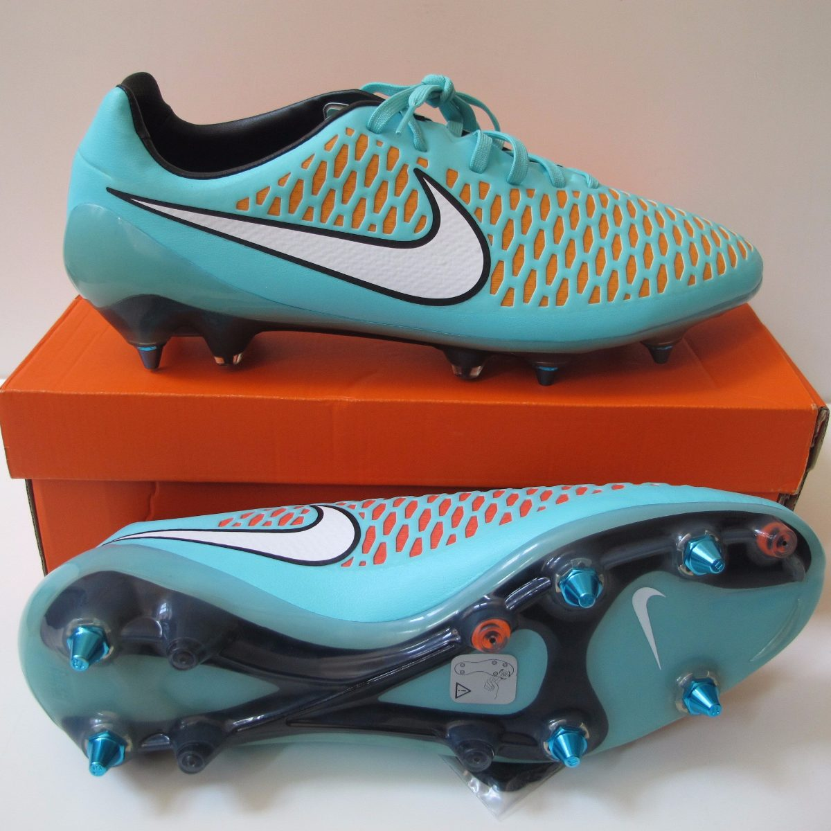 Chuteira Nike Magista Opus Sg Profissional - 100% Original - R  699 ... 69f42fd20c1cf