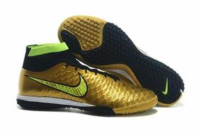 da8ac97245 Chuteiras Nike Cano Botinha 50 Reais - Esportes e Fitness no Mercado Livre  Brasil
