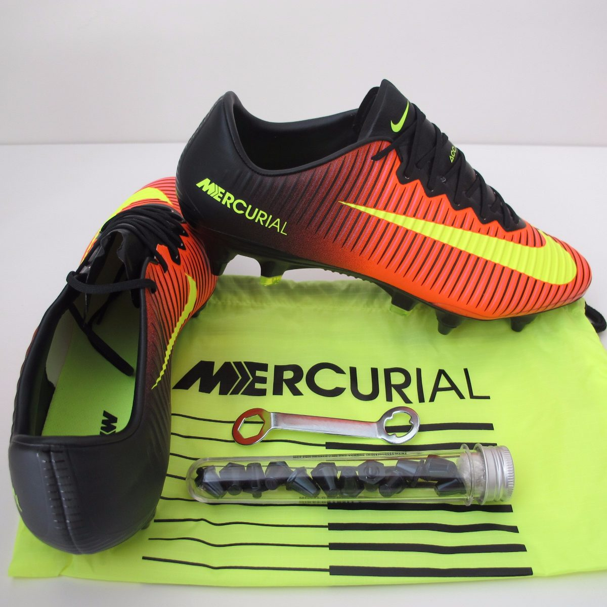 a4b7cf7a59 50% price  chuteira nike mercurial vapor sg pro trava mista original. Carregando  zoom. attractive price 4db35 ...