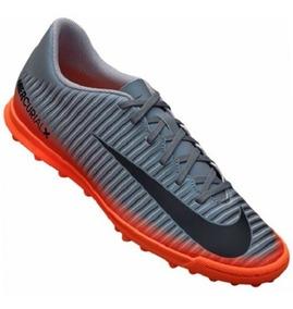 2cbe0444d89c3 Chuteira Society Nike - Chuteiras para Grama sintética no Mercado Livre  Brasil