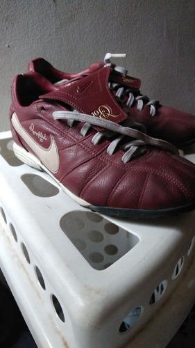 Chuteira Nike Ronaldinho Raridade 2007 - R  220 de7f14be8f2d1