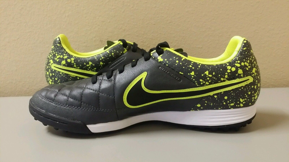 3825d9f6bb Chuteira Nike Tiempo Legacy Tf Society Couro Natural - R  369