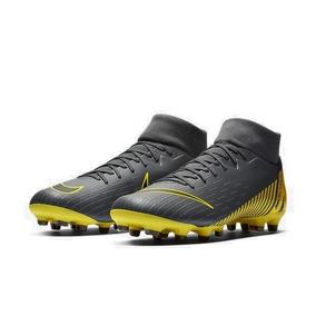 a5bd49a15855d Chuteira Nike Branca Dourada - Esportes e Fitness com Ofertas Incríveis no Mercado  Livre Brasil