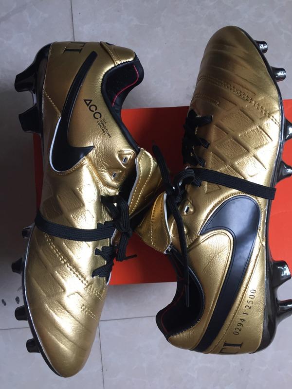 pretty nice 2896b bb70d Chuteira Nike Tiempo Legend 6 Couro Francesco Totti Gold