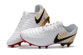 0c3b416112705 Chuteiras Nike Tiempo Primeira Linha - Chuteiras Nike de Campo para ...